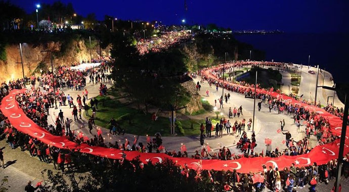 Antalya'da 23 Nisan Fener Alayı İle Kutlandı