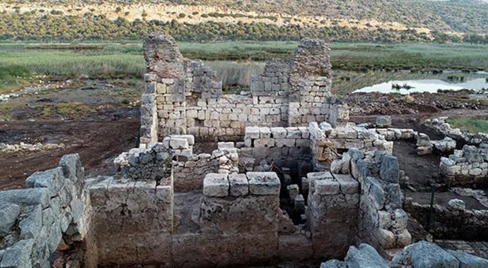 Antalya'da Myra-Andriake Kazılarında Batı Hamamı Gün Işığına Çıkarıldı