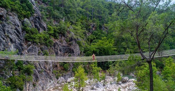 Antalya'da Macera ve Adrenalin Tutkunlarının Uğrak Yeri: Göynük Kanyonu
