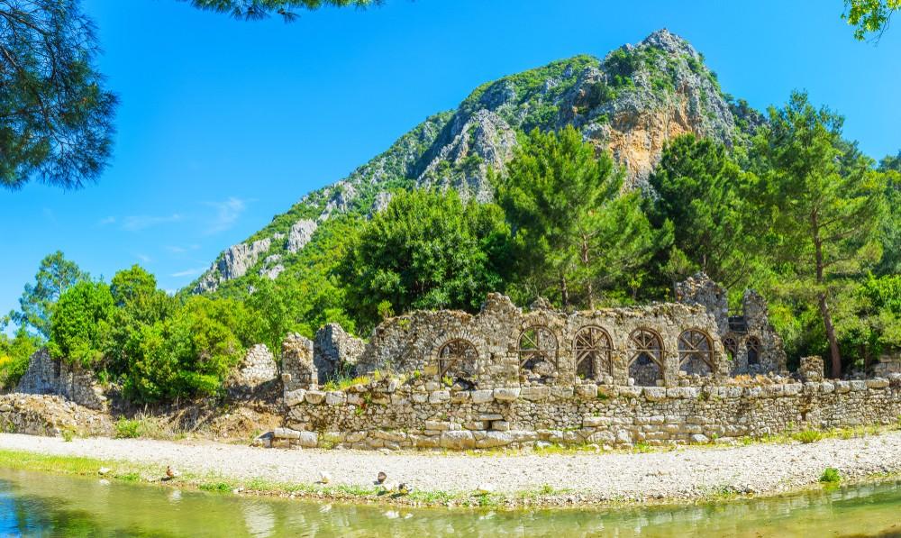 Antalya'da Tarihle İç İçe Sizi Büyüleyici Bir Yolculuğa Çıkaracak Yerler