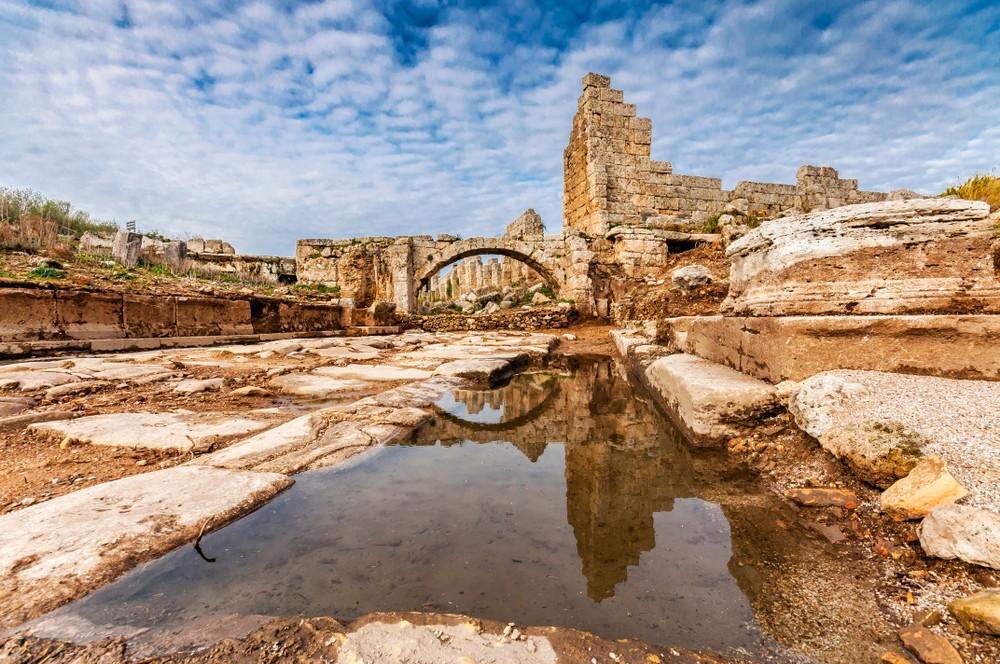 Antalya'da Mutlaka Görmeniz Gereken Antik Kent: Perge Antik Kenti